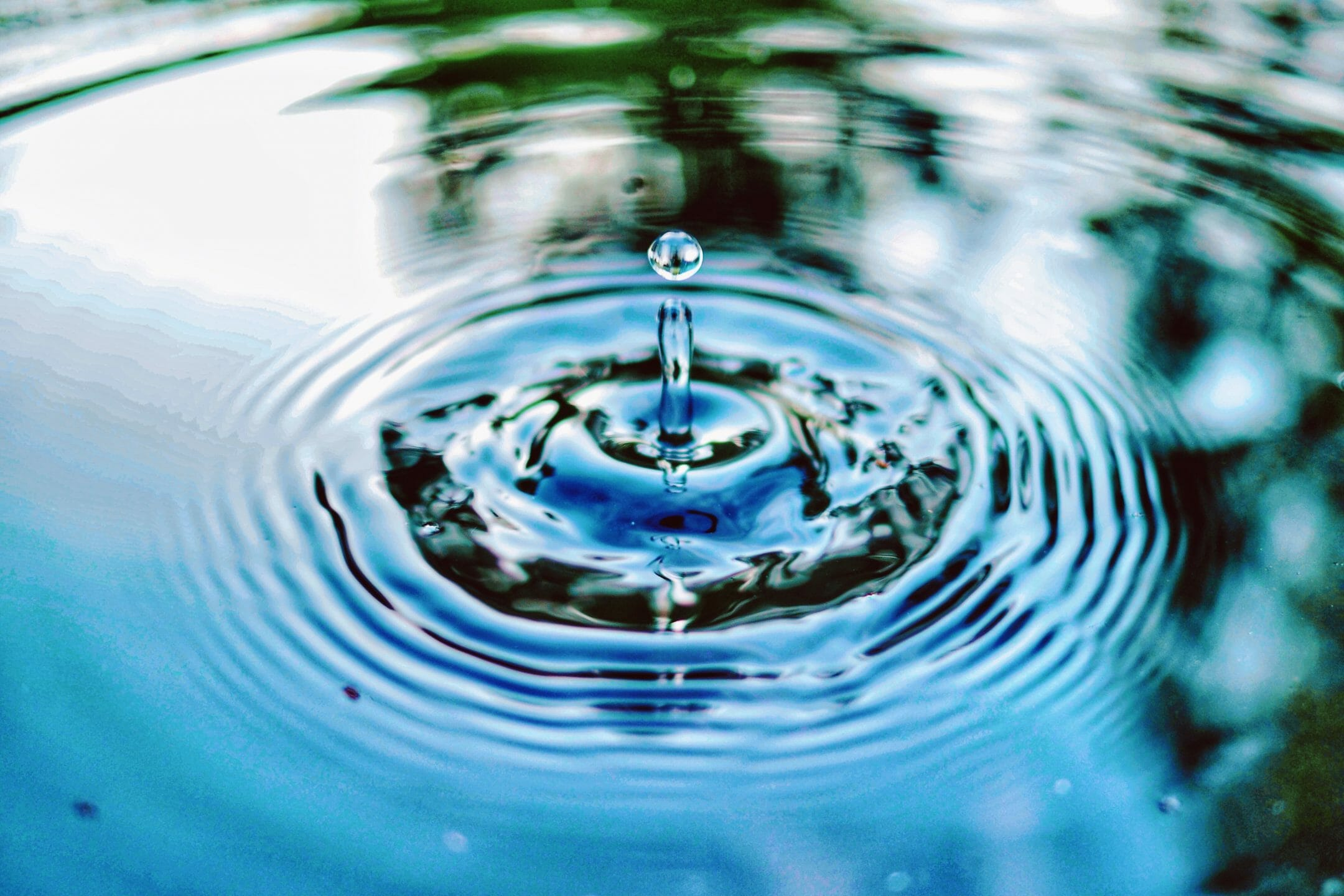 raindrop splash up close – Vitality Detox Drops
